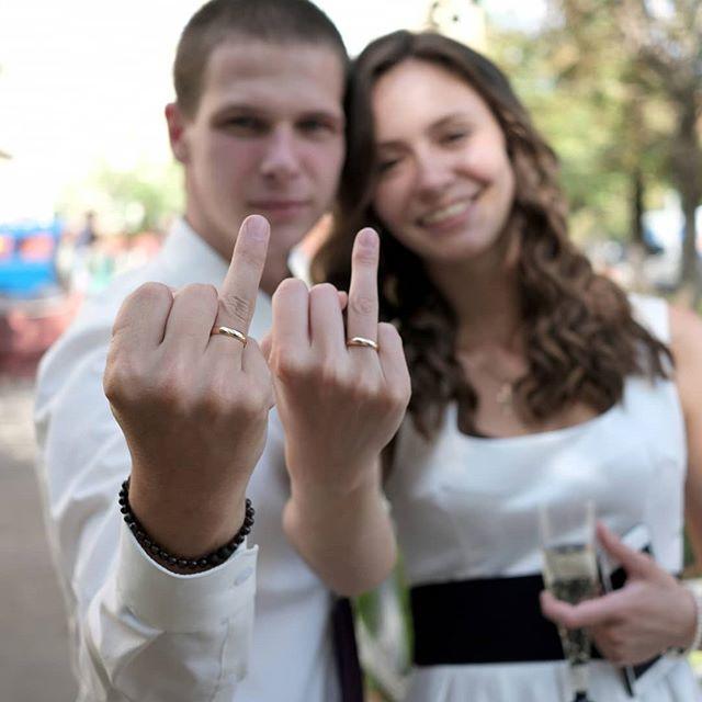 """https://youtu.be/nTVZ3lfFhIIВ воскресенье 12 августа в 14:00 состоится венчание Андрея и Дарьи. Если всё сложится удачно и всё получится, то будет проведена трансляция этого события на Ютубе. Желающие могут подписаться (нажмите кнопку """"Напомнить"""" с колокольчиков по ссылке), чтобы не пропустить.https://youtu.be/nTVZ3lfFhII"""