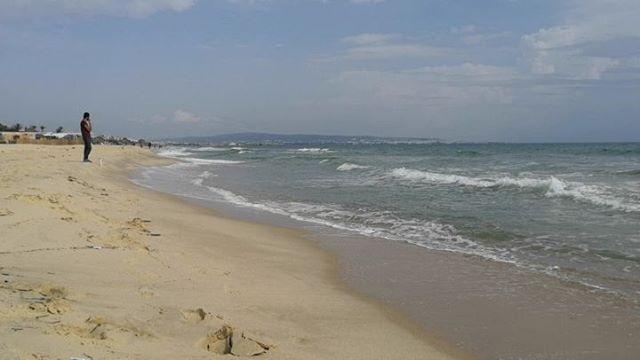 Там, где кончается Хаммамет, но не кончается пляж @hotelzodiachammamet #tunisia #hammamet #sand #beach #sea #тунис #хаммамет #пляж #песок #море